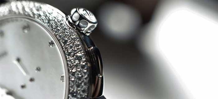 овальные часы: универсальная многогранность и неповторимый стиль
