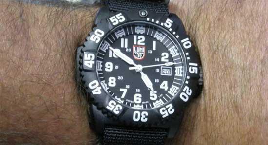 мужские часы - Luminox 3051 - обзор - сравнение