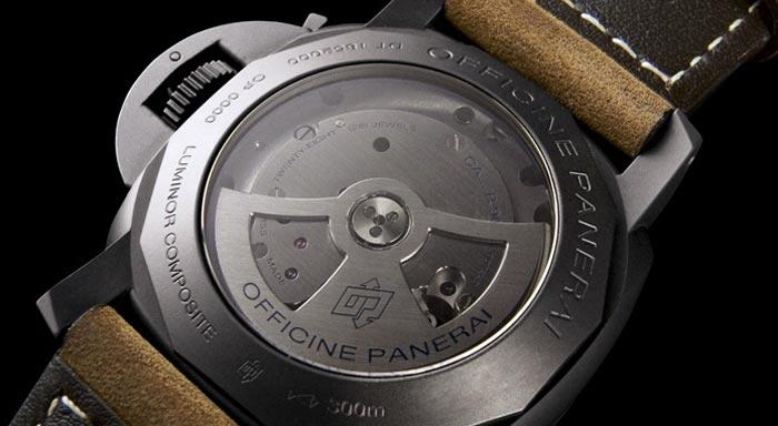 Panerai Luminor Composite PAM 386: мужские часы в керамическом корпусе