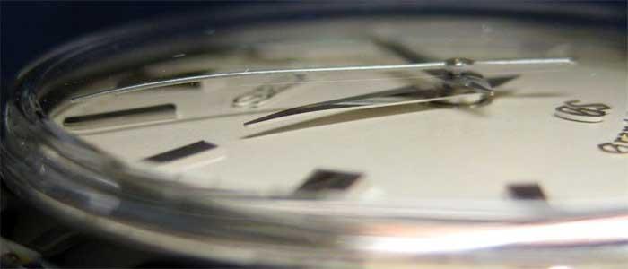 Стекло из сапфира и виды защитных стекол часовых циферблатов