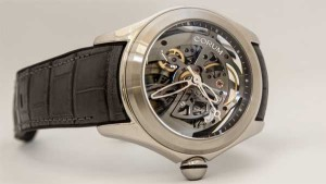 Новые Corum Bubble: часы-линза в стиле оп-арт