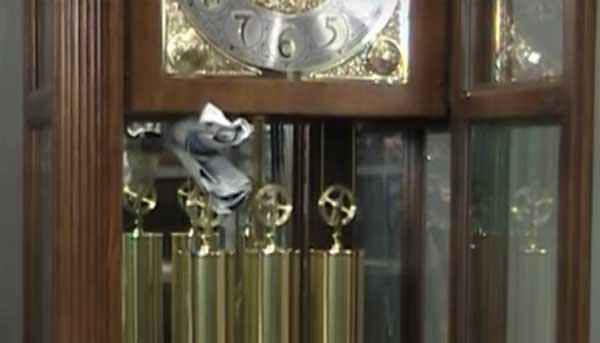 Старинные напольные часы: как подготовить их к перевозке