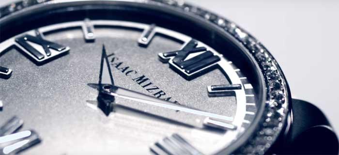Женские смарт-часы Айзека Мизрахи: Engineered by HP [видео]