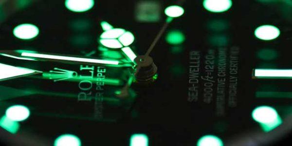 Подсветка циферблата в старых часах: что делать, если она перестала работать [видео]
