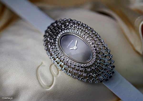 Женские Crash и Baignoire: Cartier развивает фирменную концепции некруглых часов - #Cartier