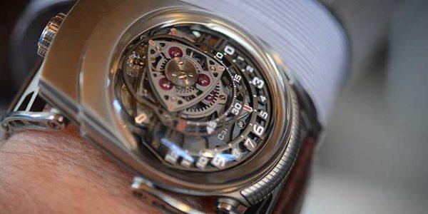Часы C3H5N3o9 — когда о конкуренции на время забыли
